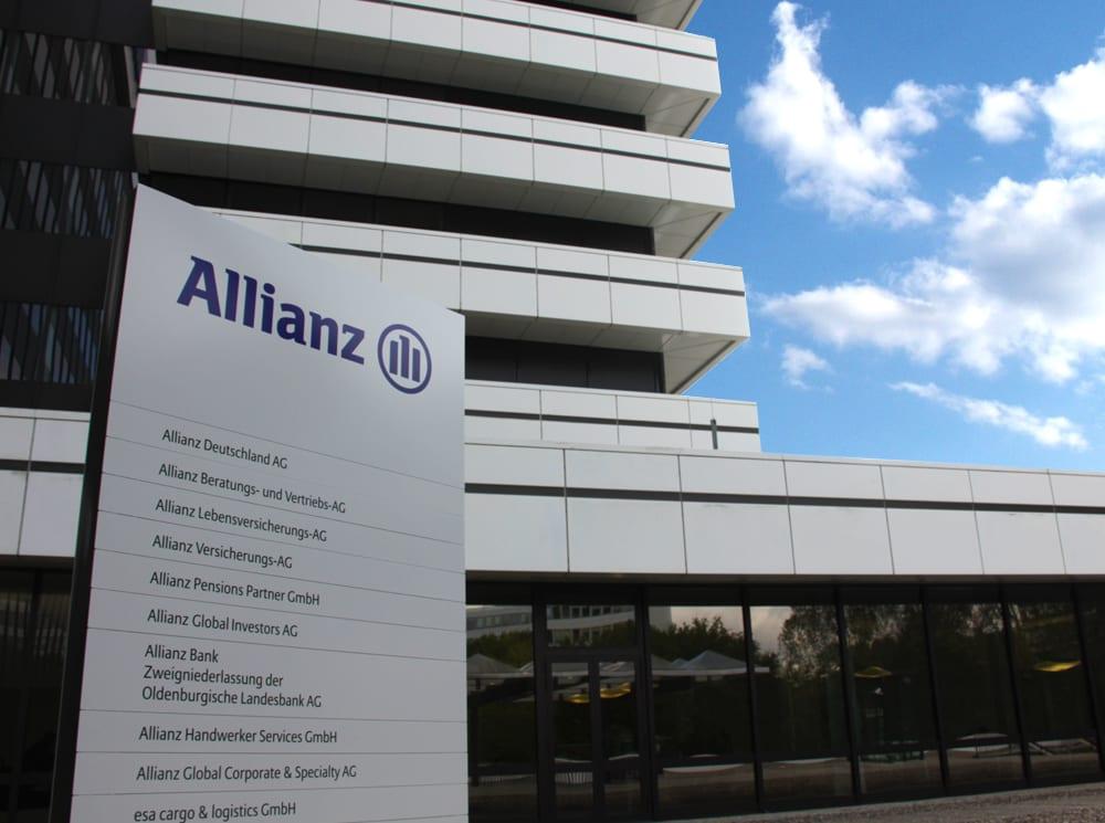 Allianz Monolith - Leitsysteme für den Außenbereich