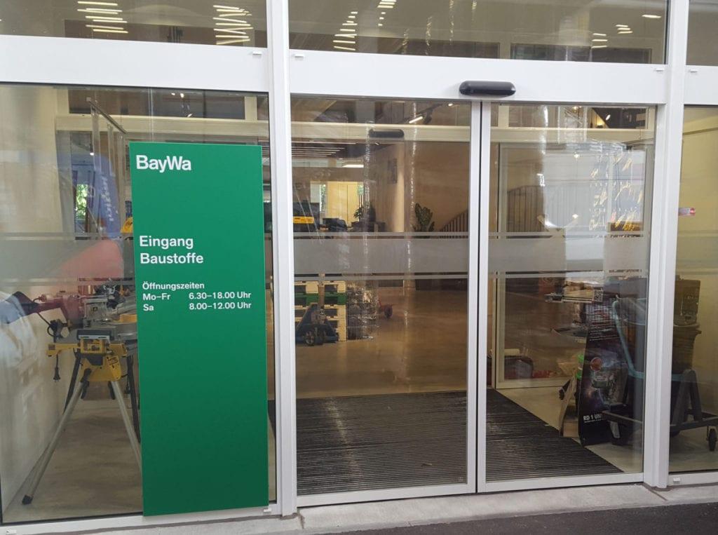 BayWa Baustoffe Moosfeld Wandpaneel Beschilderungssystem
