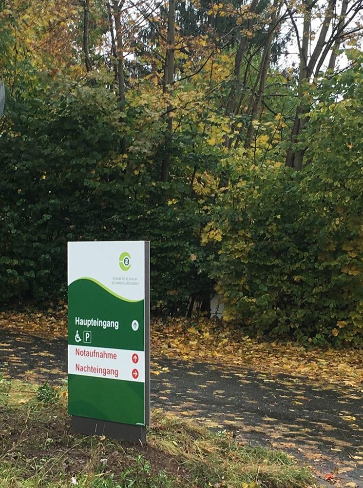 Elisabeth Klinikum Schmalkalden Monolith exterior Leitsystem