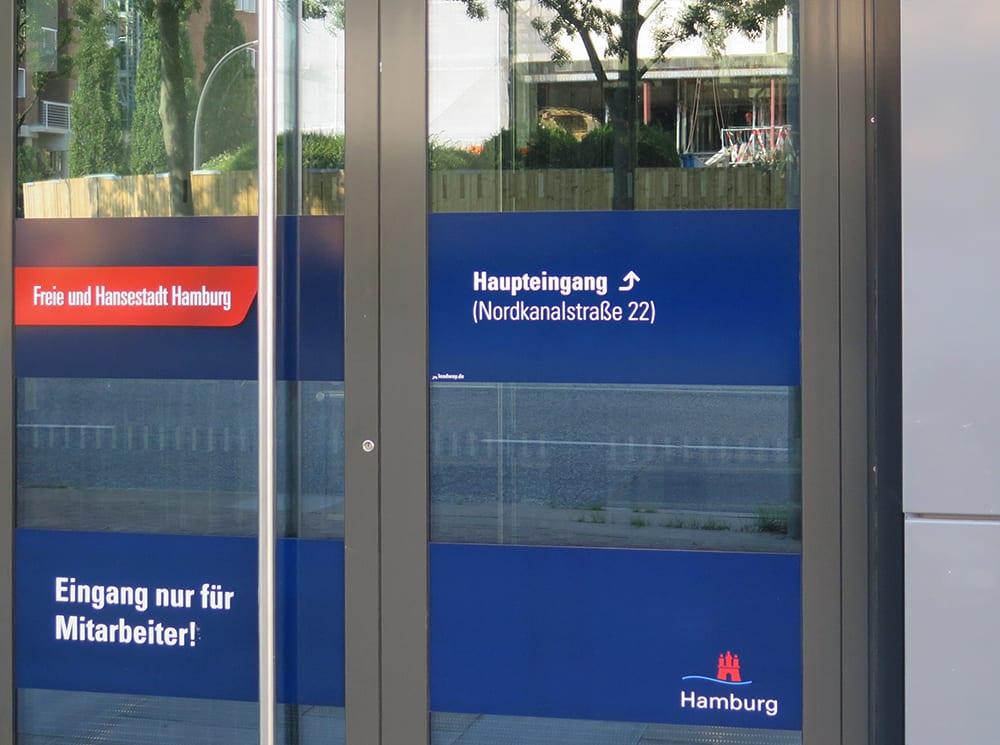 Leadway August Prien Finanzbehörde Hamburg Türfolien