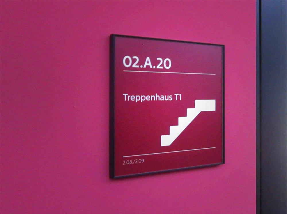 Philips Headquarter Türschild Interior Beschilderungssystem
