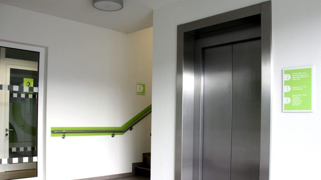 Jobcenter Reinbek Beschilderungssystem Wandschilder