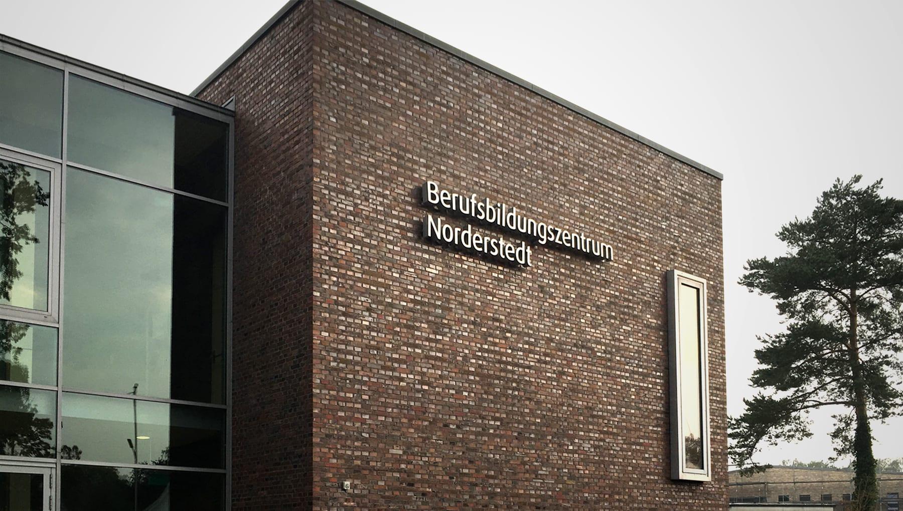 BBZ Norderstedt – Präsentation der neuen Beschilderung
