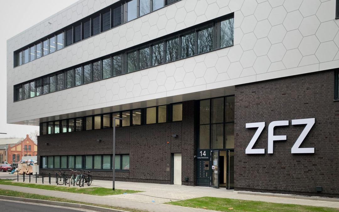Zentrum für Zukunftstechnologie – Mehr Fernwirkung durch eine Leuchtwerbeanlage